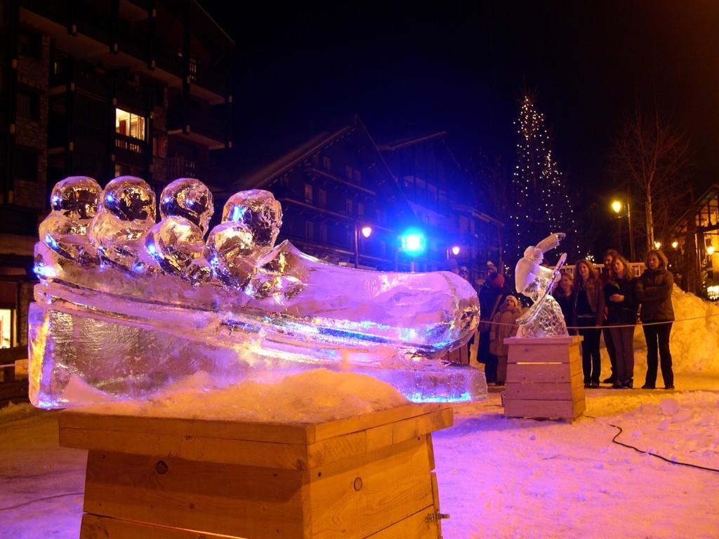 le sport en sculpture sur glace
