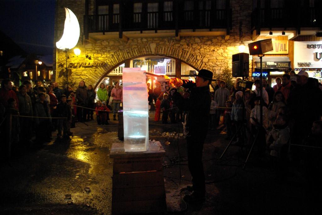 spectacle de sculpture sur glace, ice caver show