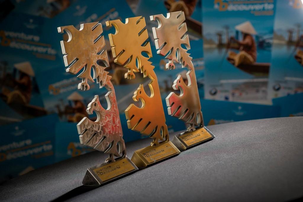 """photo des trophée du festival du film """"aventure&découverte"""" de Val d"""