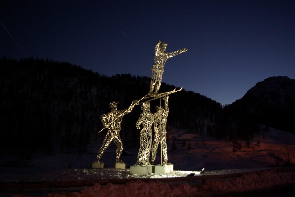 photo de la sculpture en acier inoxydable de Montgenèvre intitulée