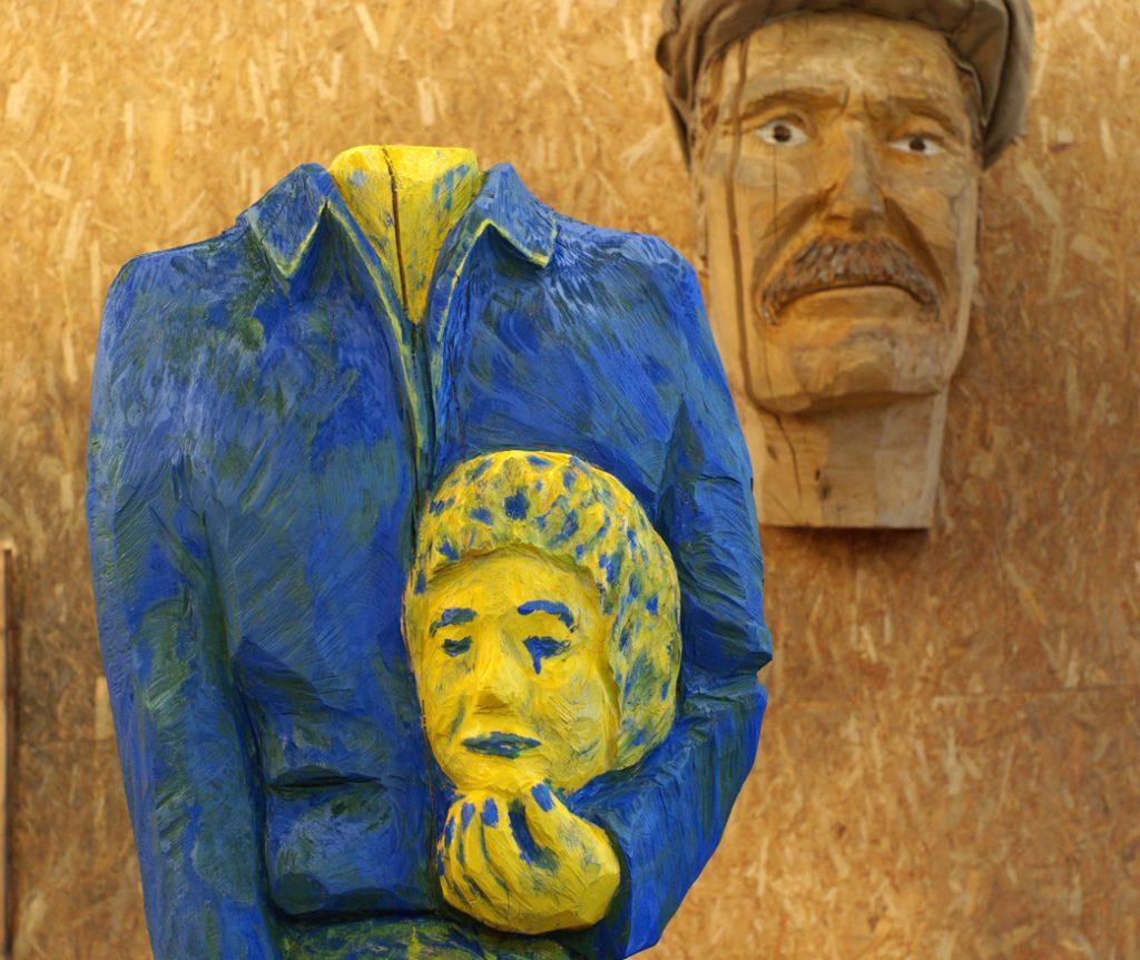 photo de la sculpture en bois de Christian Burger